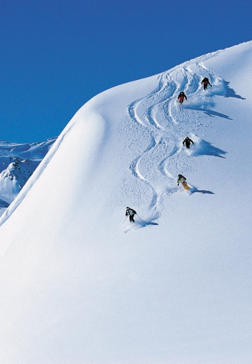 50_AAScotland-Skiing.jpg