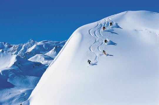 50_Scotland-Skiing.jpg